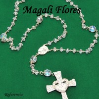 Terço em cristal Tcheco, acabamento finíssimo, varias opções de crucifixo todos em strass – R$ 120,00 a unidade