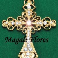 Elegante crucifixo pode ser utilizado em qualquer modelo de nossos terços.