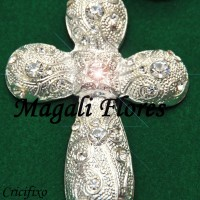 Sofisticado crucifixo pode ser utilizado em qualquer modelo de nossos terços.